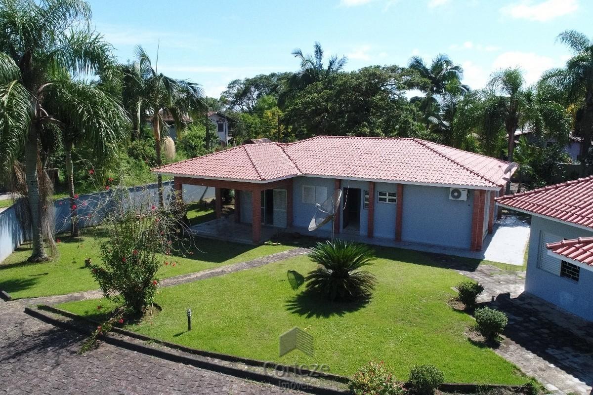 Casa em Itapoá com terreno de 2.520m