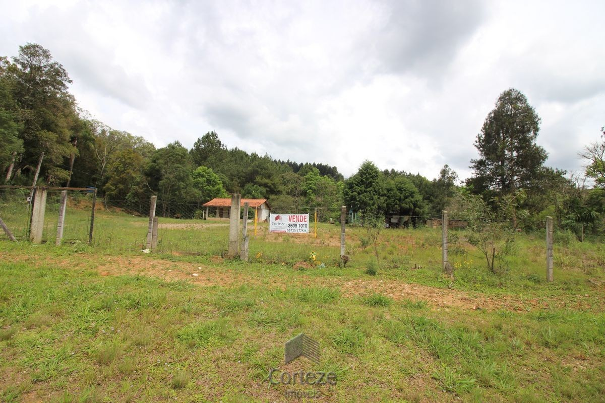 Chácara Zona Rural de Quitandinha.
