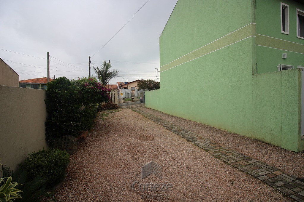 Sobrado com 3 dormitório e suíte a venda no Iguaçu
