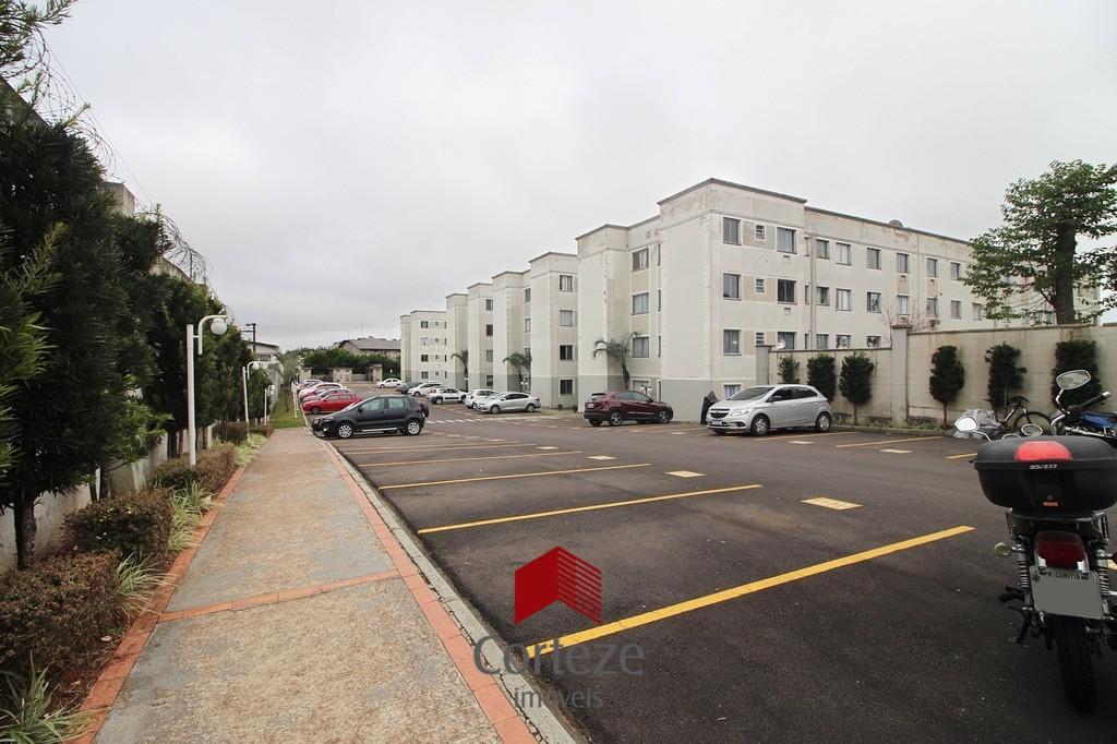 Apartamento com 02 quartos na Costeira.